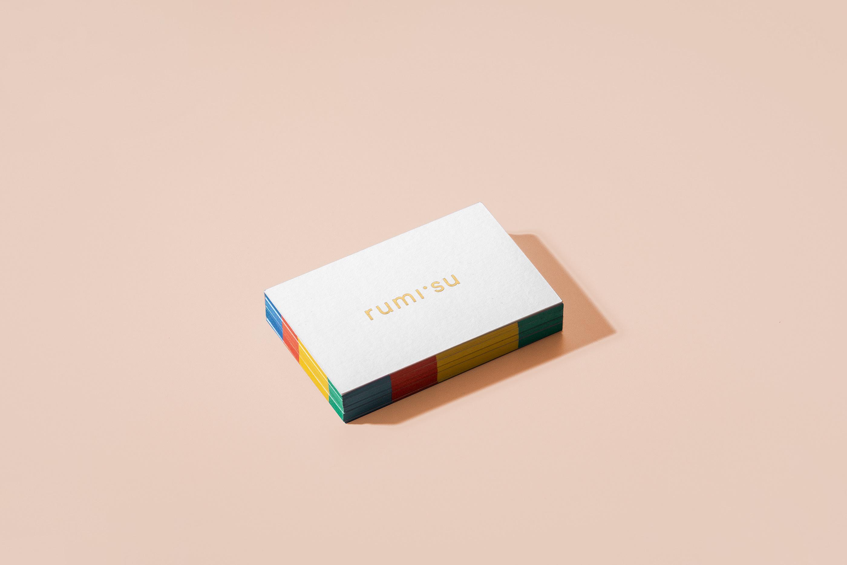 Rumisu原创设计配饰品牌的VI设计进行年轻化的品牌塑造-品牌VI设计